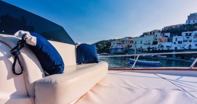 Motorboot mit oder ohne Skipper Apreamare mieten in Sorrento