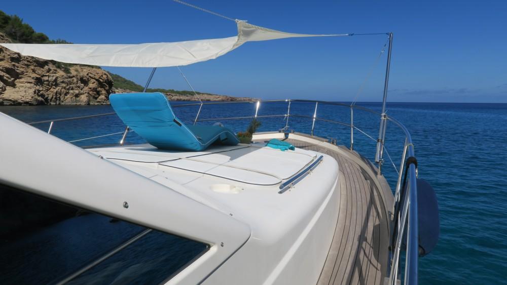 Vermietung Motorboot Cantieri Estensi mit Führerschein