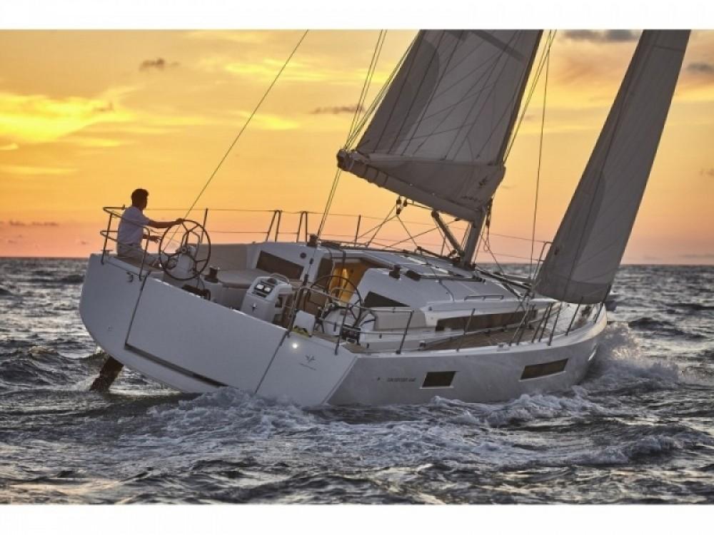Jeanneau Sun Odyssey 440 zwischen Privatpersonen und professionellem Anbieter Arzon