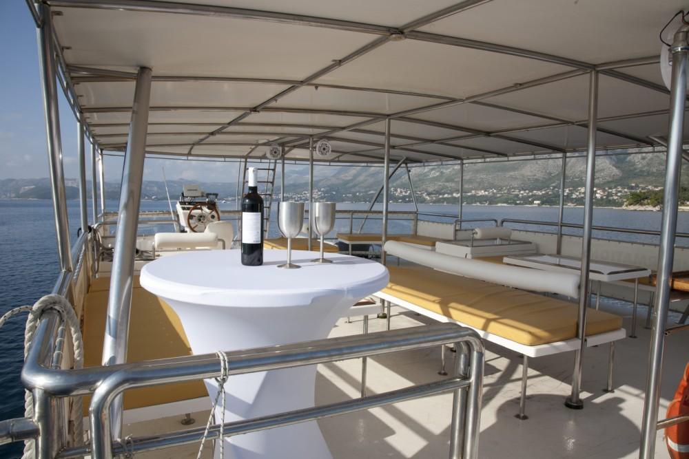 Bootsverleih Monte Marine Yachting Cat 17 Party Cavtat Samboat