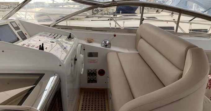 Vermietung Motorboot Rizzardi mit Führerschein