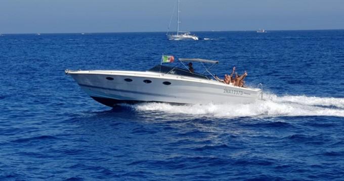 Motorboot mit oder ohne Skipper Tornado mieten in Porto Badino
