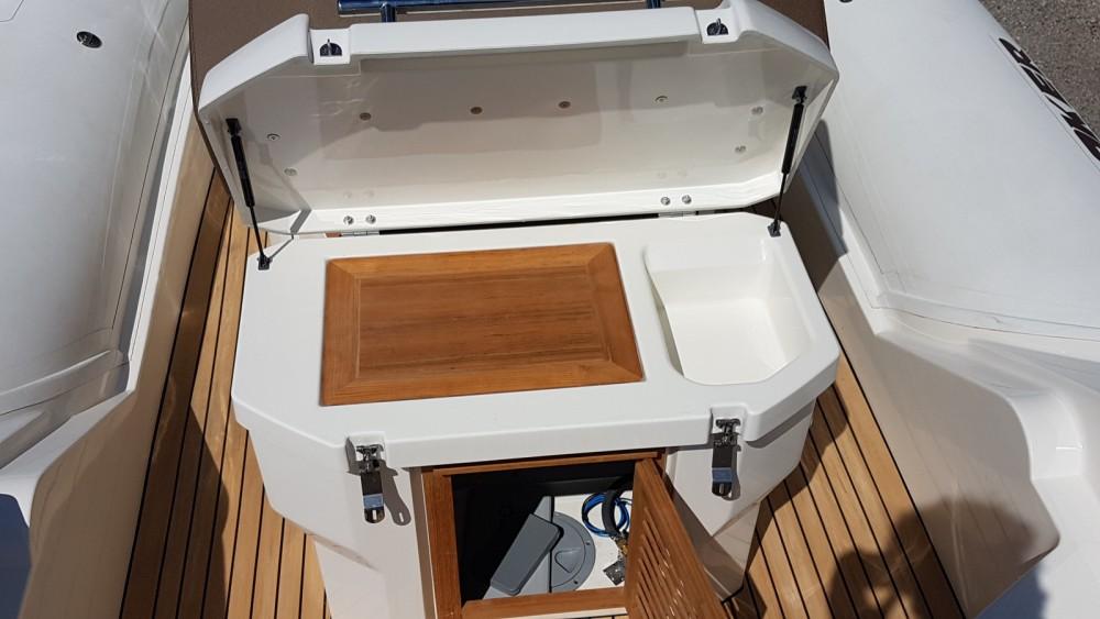 Joker Boat Clubman 24 zwischen Privatpersonen und professionellem Anbieter Hyères