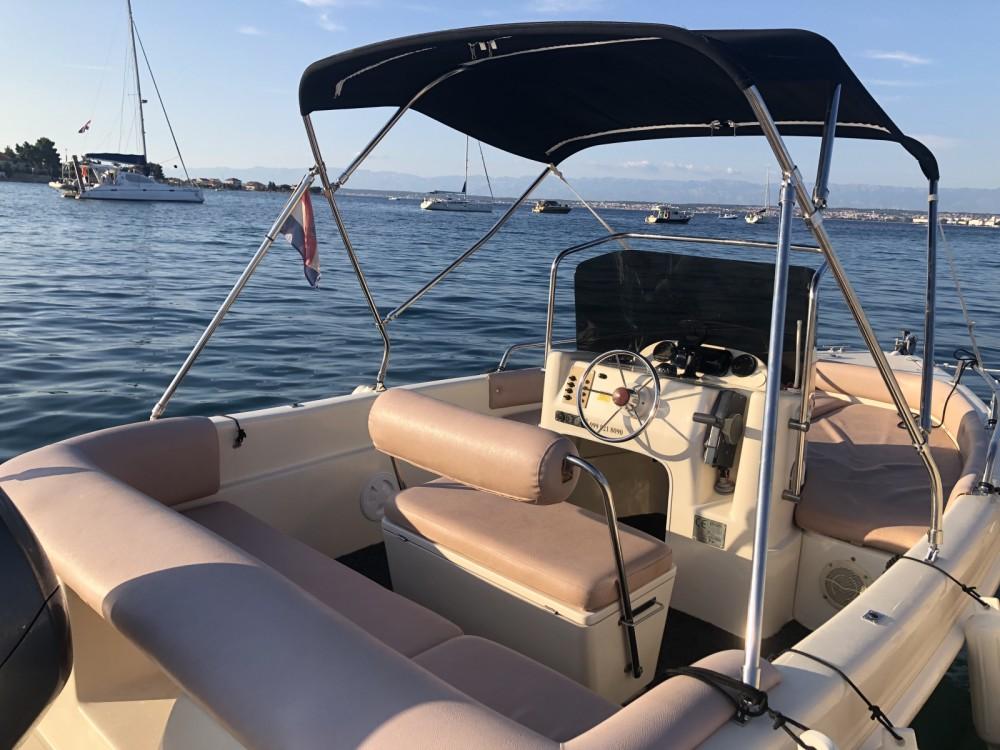 Motorboot mit oder ohne Skipper Coverline mieten in Preko