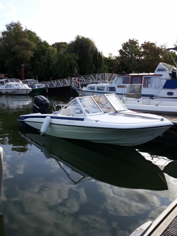 Motorboot mieten in Draveil zum besten Preis