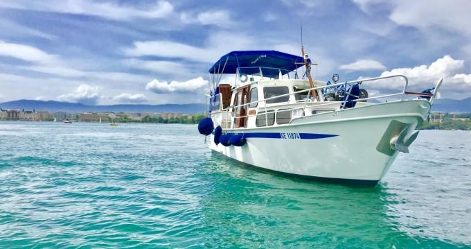 Motorboot mit oder ohne Skipper Pedro mieten in Genève