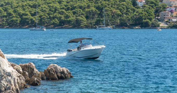 Yacht-Charter in Trogir - Jeanneau Cap Camarat 6,5 auf SamBoat
