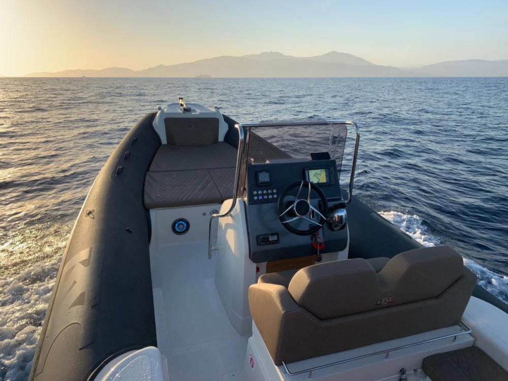 Schlauchboot mieten in Pietrosella - Bsc 78 ebony