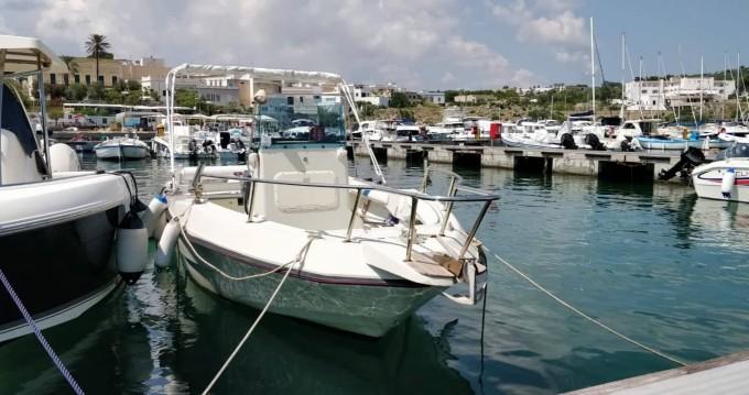 Bootsverleih Santa Maria di Leuca günstig Elan Fisherman