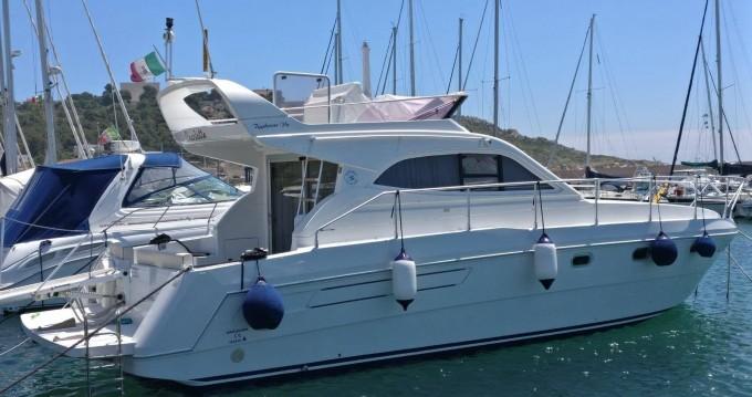 Motorboot mit oder ohne Skipper Raffaelli mieten in Leuca