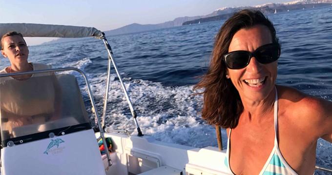 Volos Marine Jason 4460 zwischen Privatpersonen und professionellem Anbieter Santorini