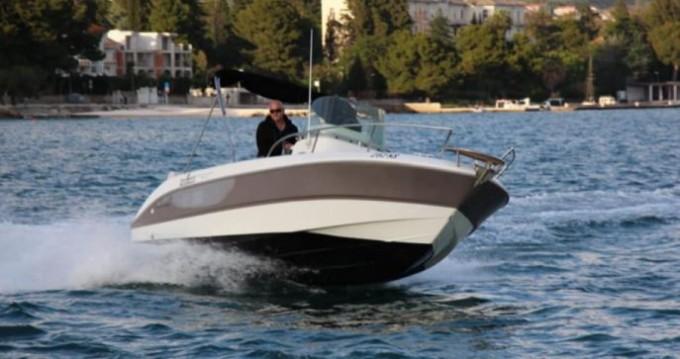 Motorboot mit oder ohne Skipper Sessa Marine mieten in Kaštela