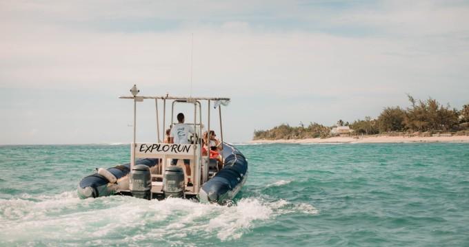 Schlauchboot mieten in Saint-Gilles les Bains - Lomac Adrenalina 9.5