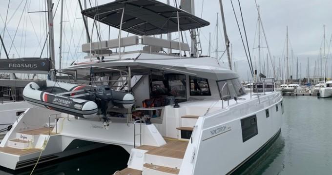 Nautitech 46 FLY.2 zwischen Privatpersonen und professionellem Anbieter Le Grau-du-Roi