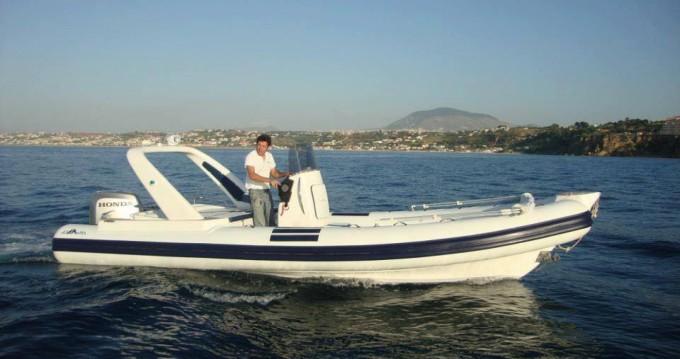 Altamarea Wave 24 zwischen Privatpersonen und professionellem Anbieter Castellammare del Golfo