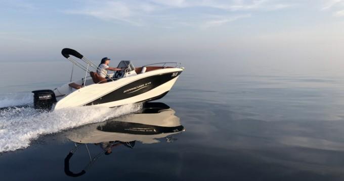 Vermietung Motorboot Okiboats mit Führerschein