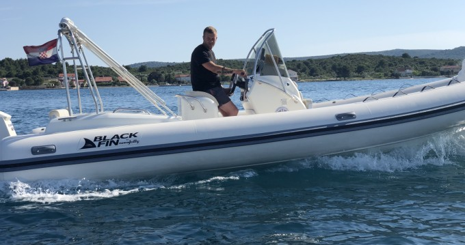Schlauchboot mieten in Biograd na Moru - Nuova Jolly Blackfin 25 Elegance