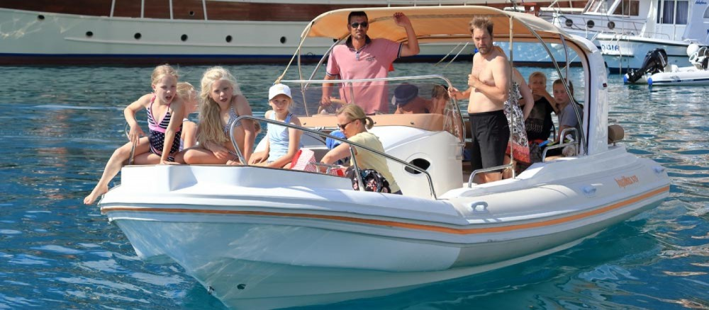 Yacht-Charter in Bol - Aquamax B27 Offshore auf SamBoat