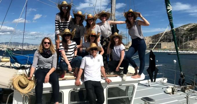 catfisher 28 zwischen Privatpersonen und professionellem Anbieter Vieux-Port de Marseille