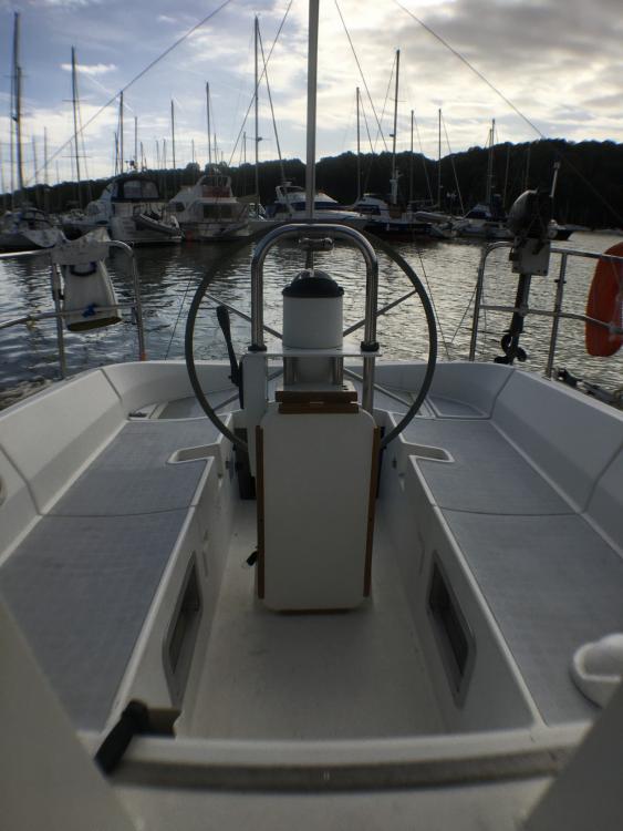 Bénéteau OCEANIS 350 zwischen Privatpersonen und professionellem Anbieter Quiberon