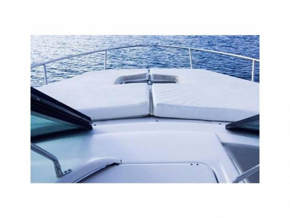 Sea Ray 295 Sun Sport zwischen Privatpersonen und professionellem Anbieter Maó