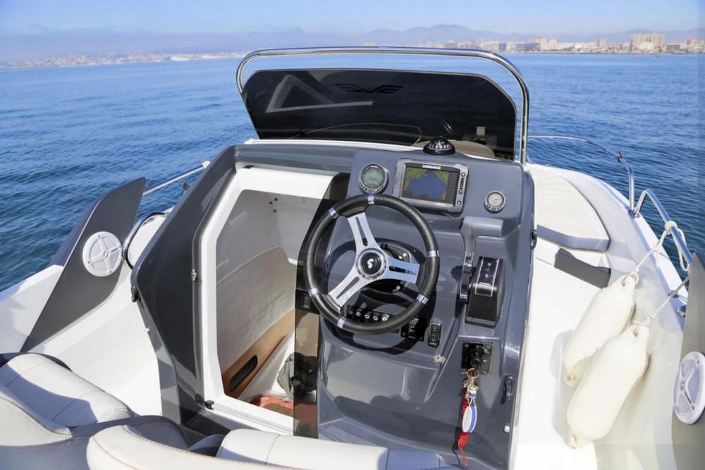 Motorboot mit oder ohne Skipper Bénéteau mieten in Saint-Gilles-Croix-de-Vie