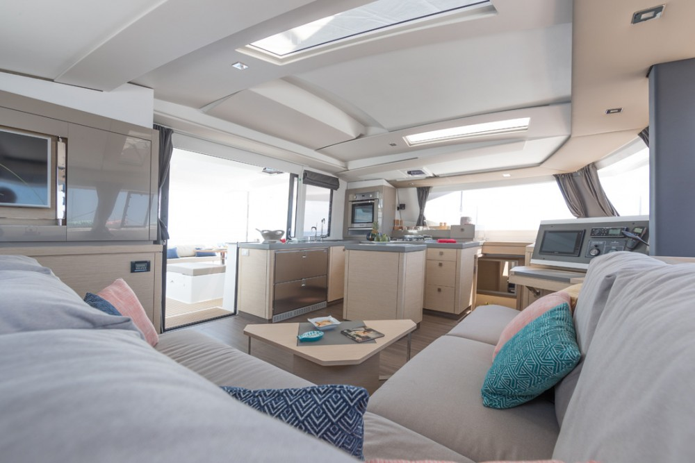 Katamaran mieten in  - Fountaine Pajot Saona 47