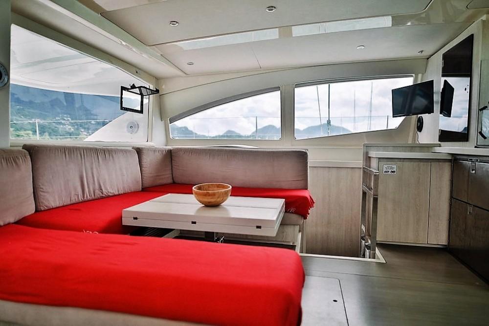 Bootsverleih Robertson and Caine Leopard 48 Victoria Samboat
