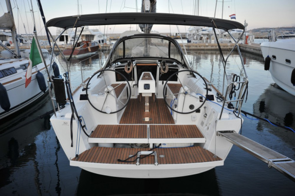 Yacht-Charter in  - Dufour Dufour 350 auf SamBoat