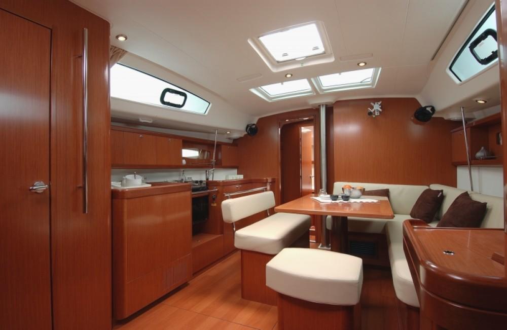 Yacht-Charter in Procida - Bénéteau Oceanis 43 auf SamBoat