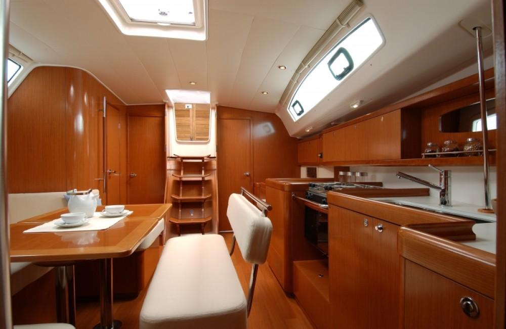 Segelboot mit oder ohne Skipper Bénéteau mieten in Procida