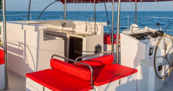 Ocean Voyager Maxicat 53 zwischen Privatpersonen und professionellem Anbieter Tahiti