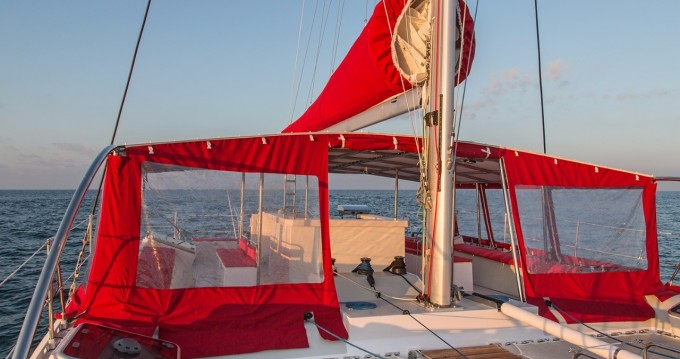 Katamaran mit oder ohne Skipper Ocean Voyager mieten in Tahiti