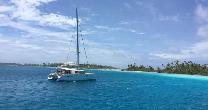 Ein Lagoon Lagoon 400 S2 mieten in Tahiti