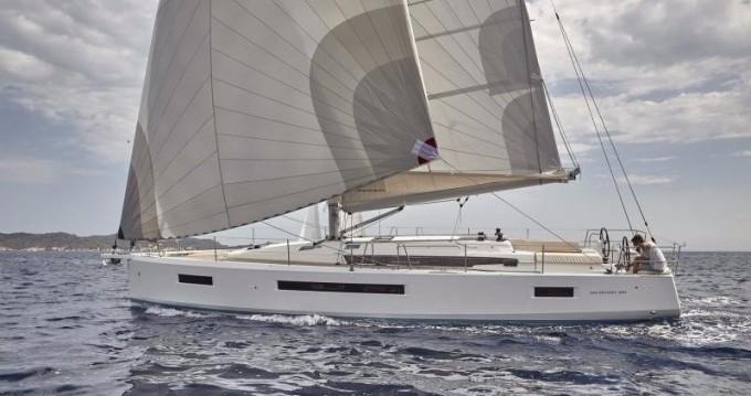 Ein Jeanneau Sun Odyssey 490 mieten in Paros