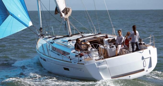 Jeanneau Sun Odyssey 469 zwischen Privatpersonen und professionellem Anbieter Skiathos