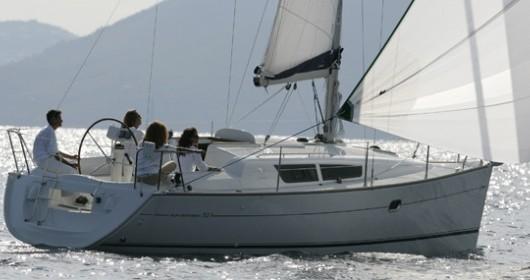 Jeanneau Sun Odyssey 32i zwischen Privatpersonen und professionellem Anbieter Lávrio