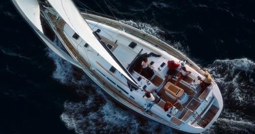 Jeanneau Sun Odyssey 45 zwischen Privatpersonen und professionellem Anbieter Athen
