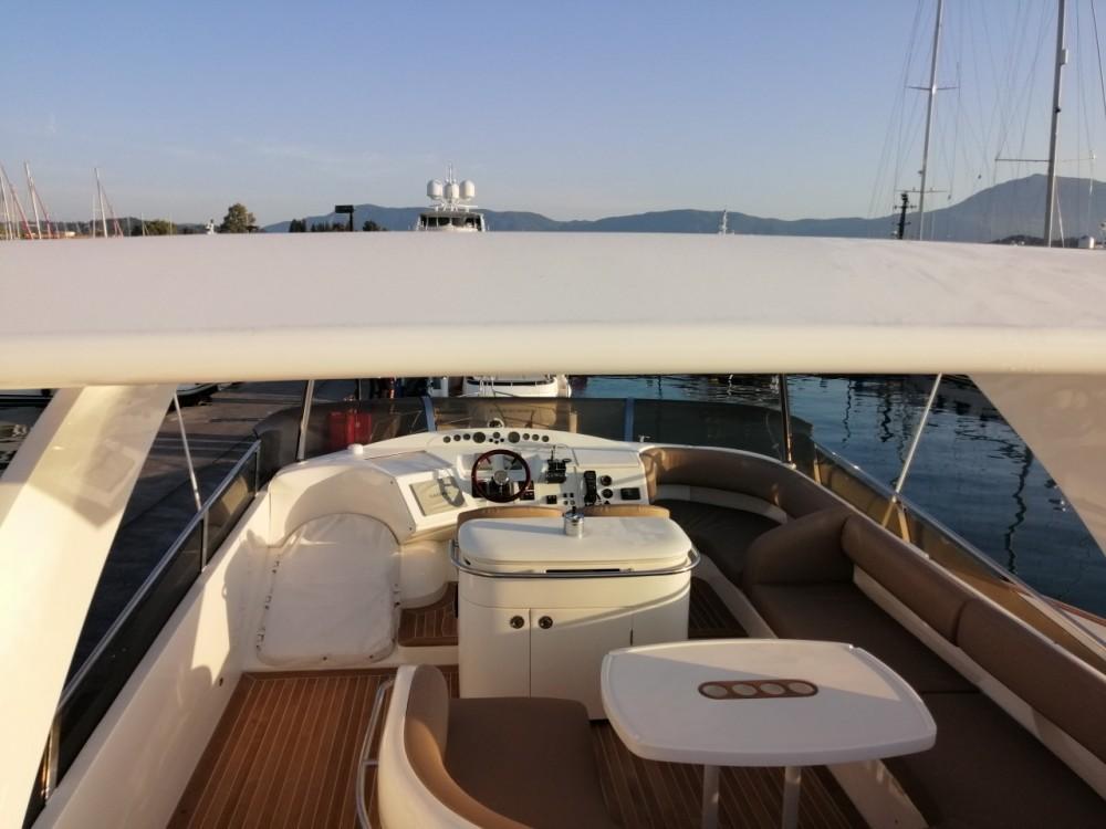 Yachten mit oder ohne Skipper Princess mieten in Marina Gouvia