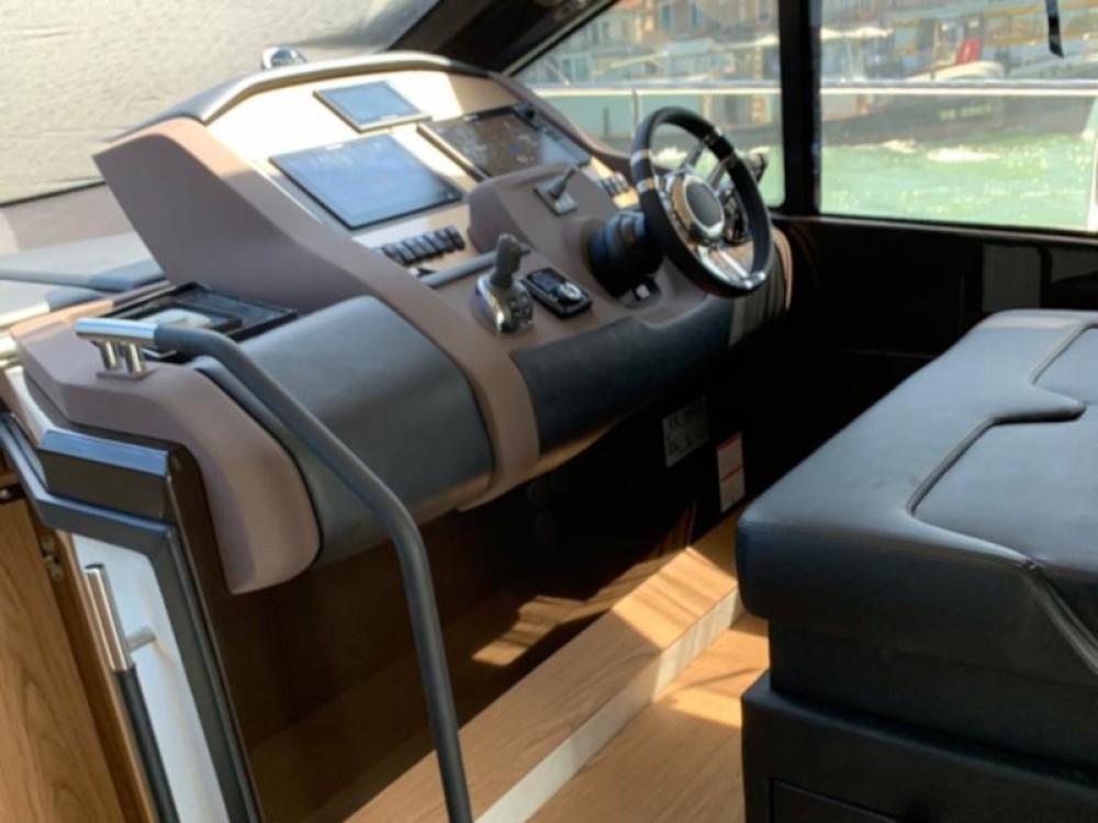 Vermietung Motorboot SESSA mit Führerschein