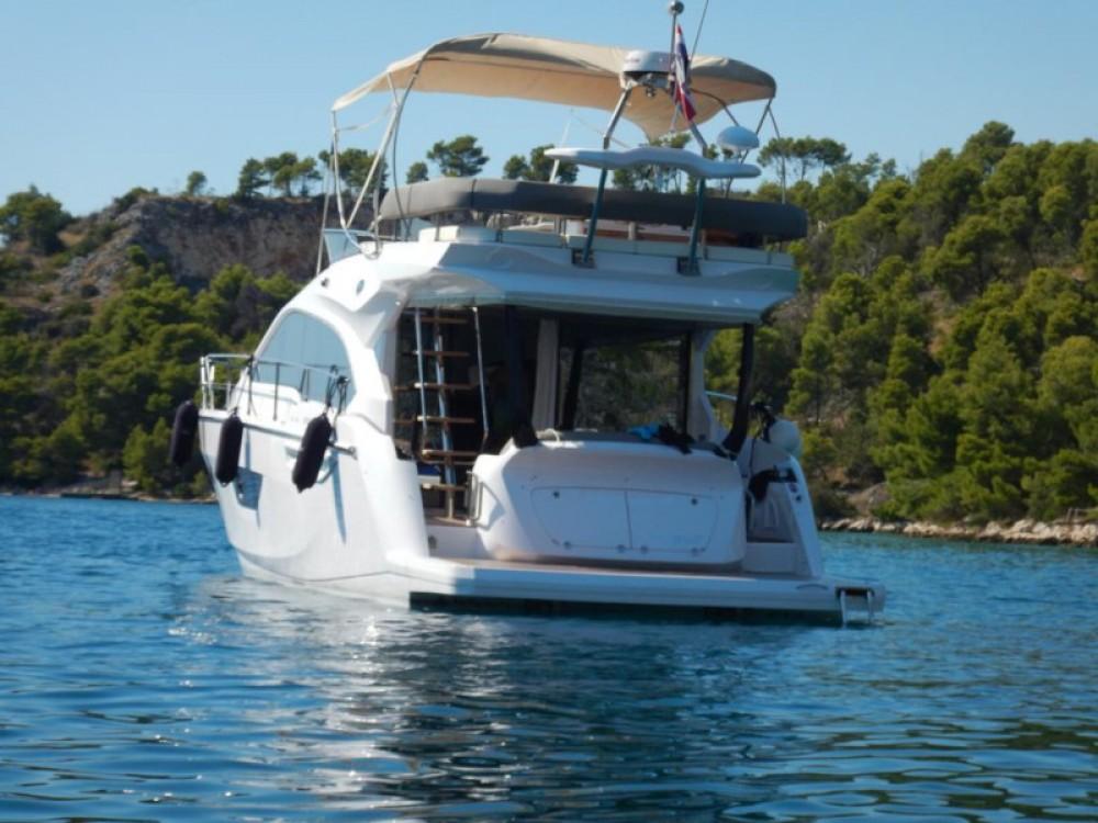 Motorboot mieten in Marina LAV zum besten Preis