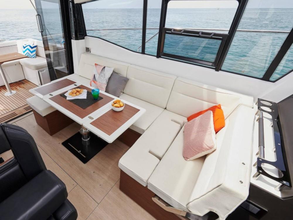 Motorboot mieten in Salerno - Jeanneau Jeanneau NC 37
