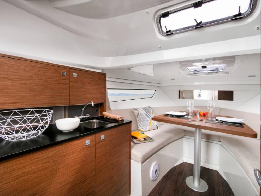 Yacht-Charter in Marina d'Arechi - Jeanneau Cap Camarat 9.0 WA auf SamBoat