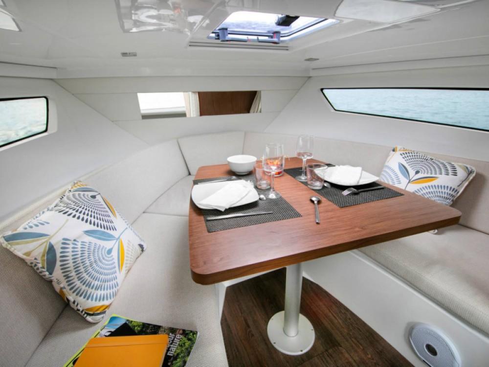 Motorboot mieten in Marina d'Arechi - Jeanneau Cap Camarat 9.0 WA