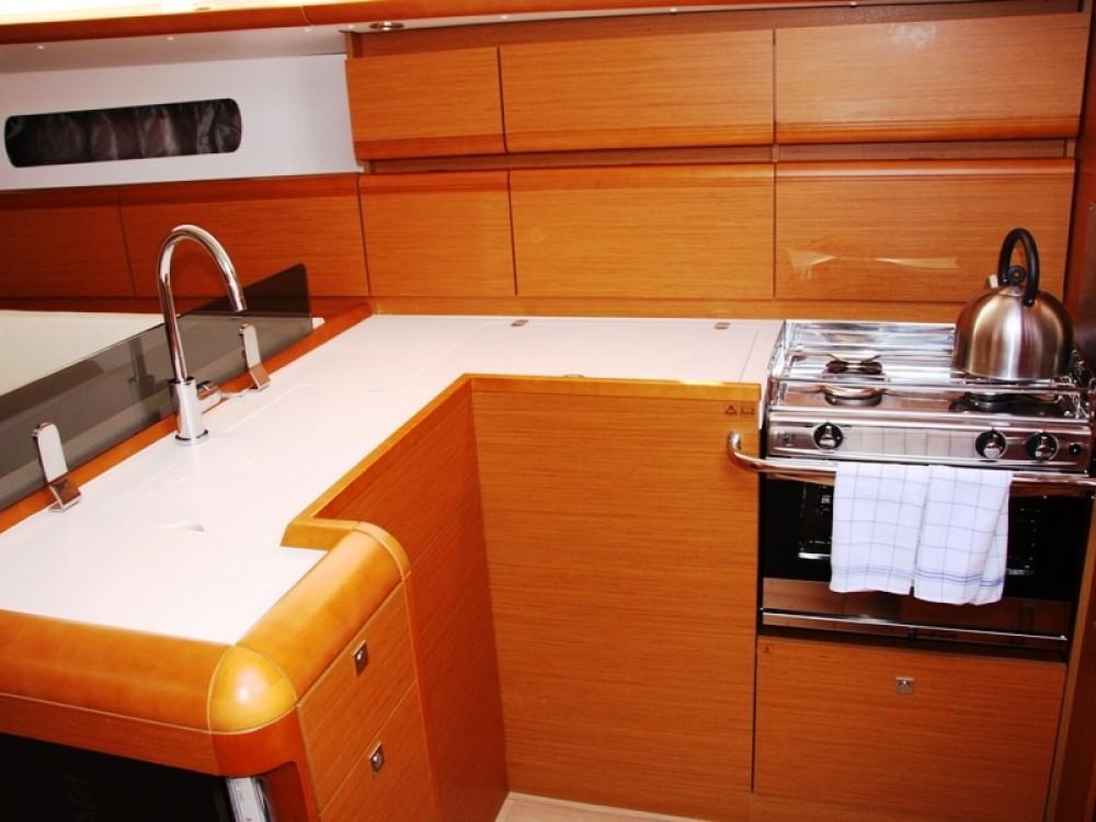 Jeanneau Sun Odyssey 439 zwischen Privatpersonen und professionellem Anbieter Marmaris
