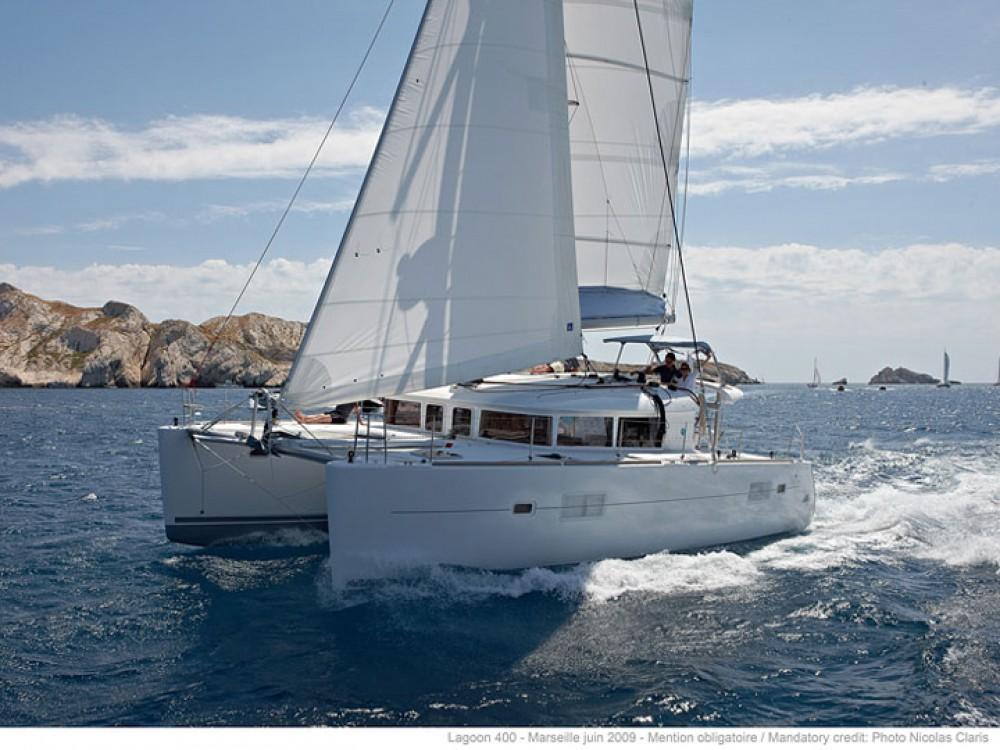 Yacht-Charter in Álimos - Lagoon Lagoon 400 auf SamBoat