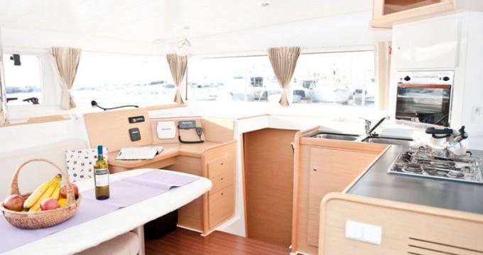 Yacht-Charter in Athen - Lagoon Lagoon 400 auf SamBoat