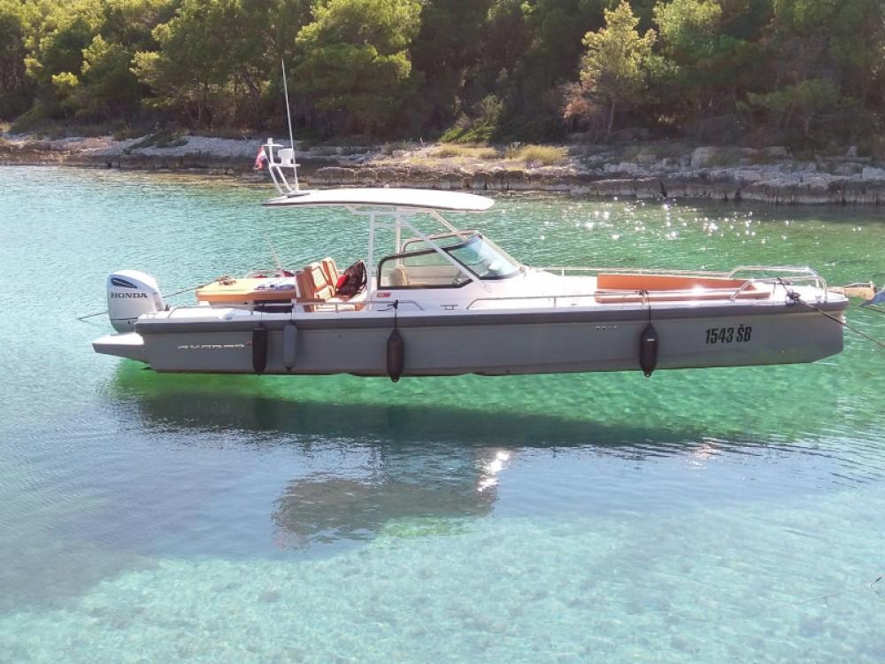 Katamaran mit oder ohne Skipper Axopar mieten in Šibenik