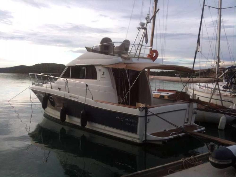 Motorboot mit oder ohne Skipper Bénéteau mieten in Rogoznica
