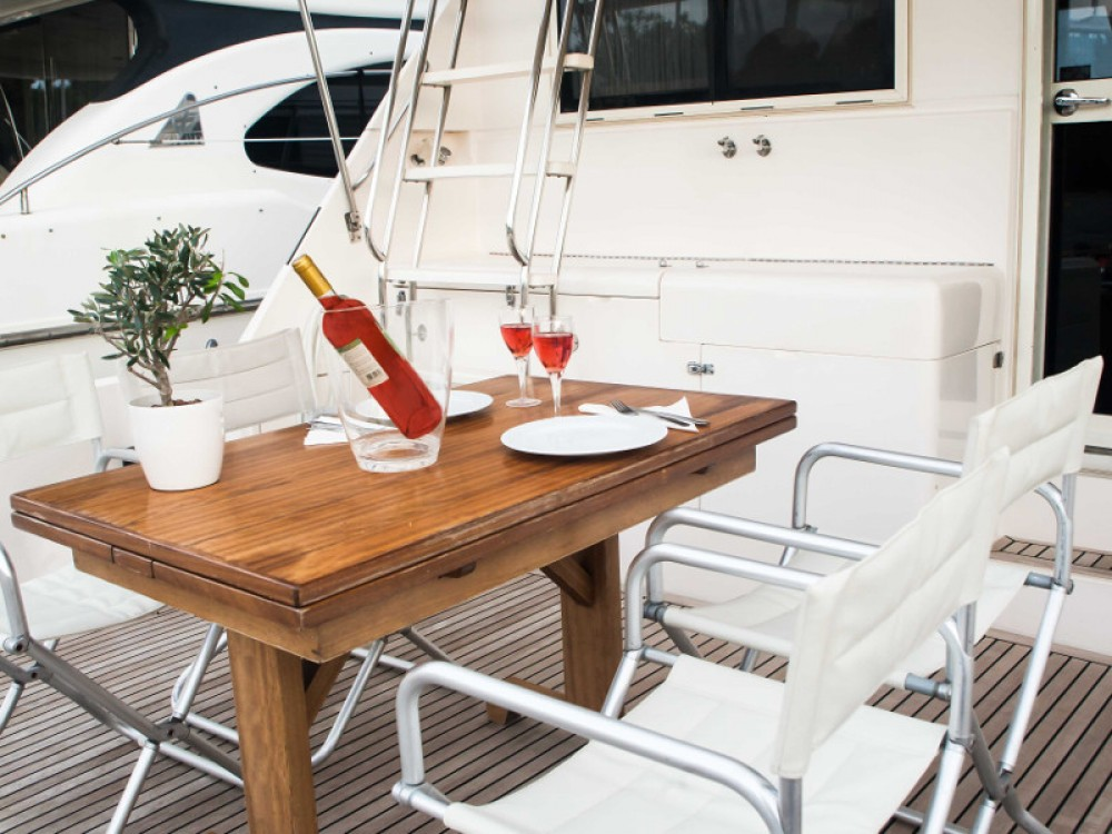Yacht-Charter in Marina Alimos - Riviera Riviera 48 auf SamBoat